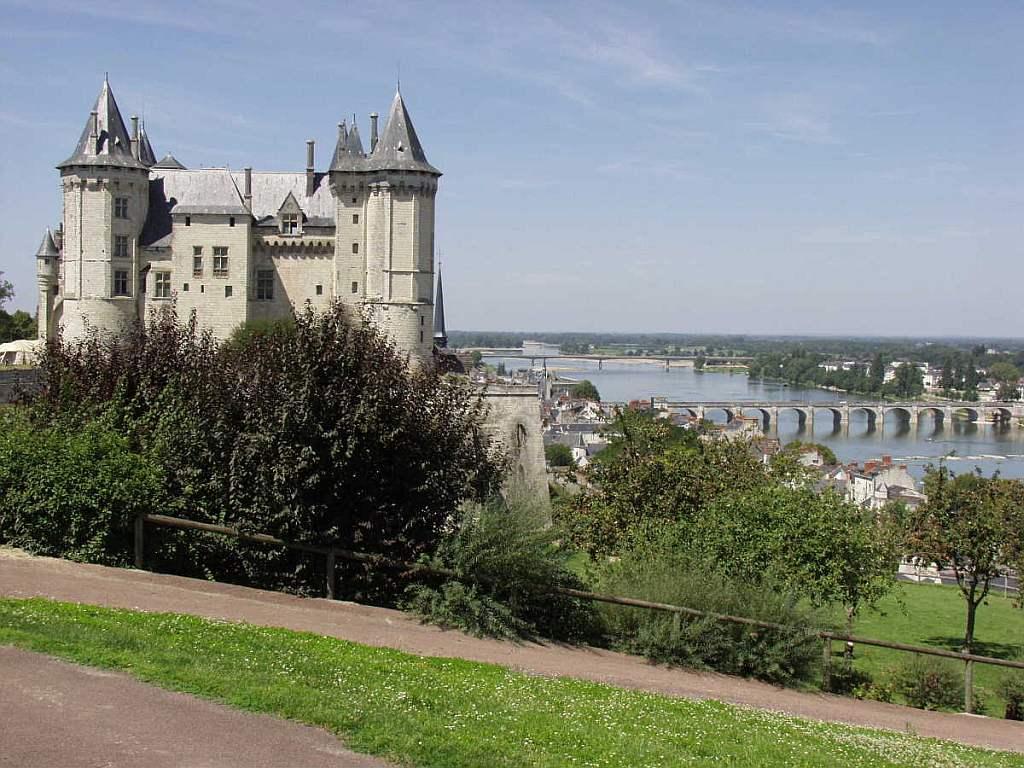 O Castelo De Saumur: Fortíssimo E Delicado, Tendendo Para